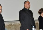 2ª série EM conversa com Padre André Sampaio sobre a Igreja Católica