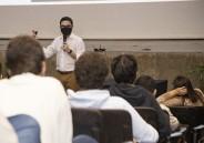 Ex-aluno palestra para EM sobre o curso de Medicina